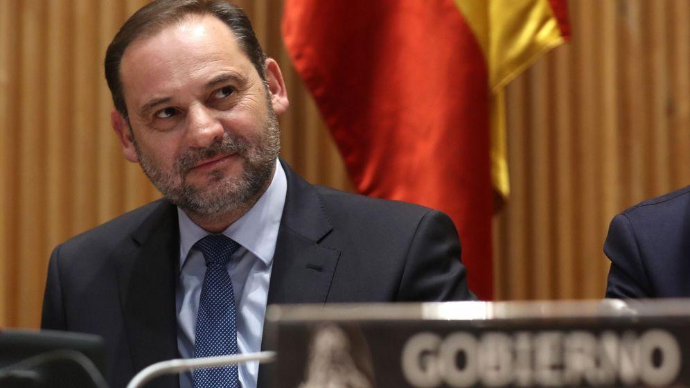 Foto: Comparecencia del ministro de Fomento, José Luis Ábalos, en comisión parlamentaria, el 31 de enero de 2019.