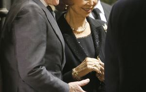 La prensa sueca relaciona sentimentalmente a Doña Sofía con Alfonso Díez