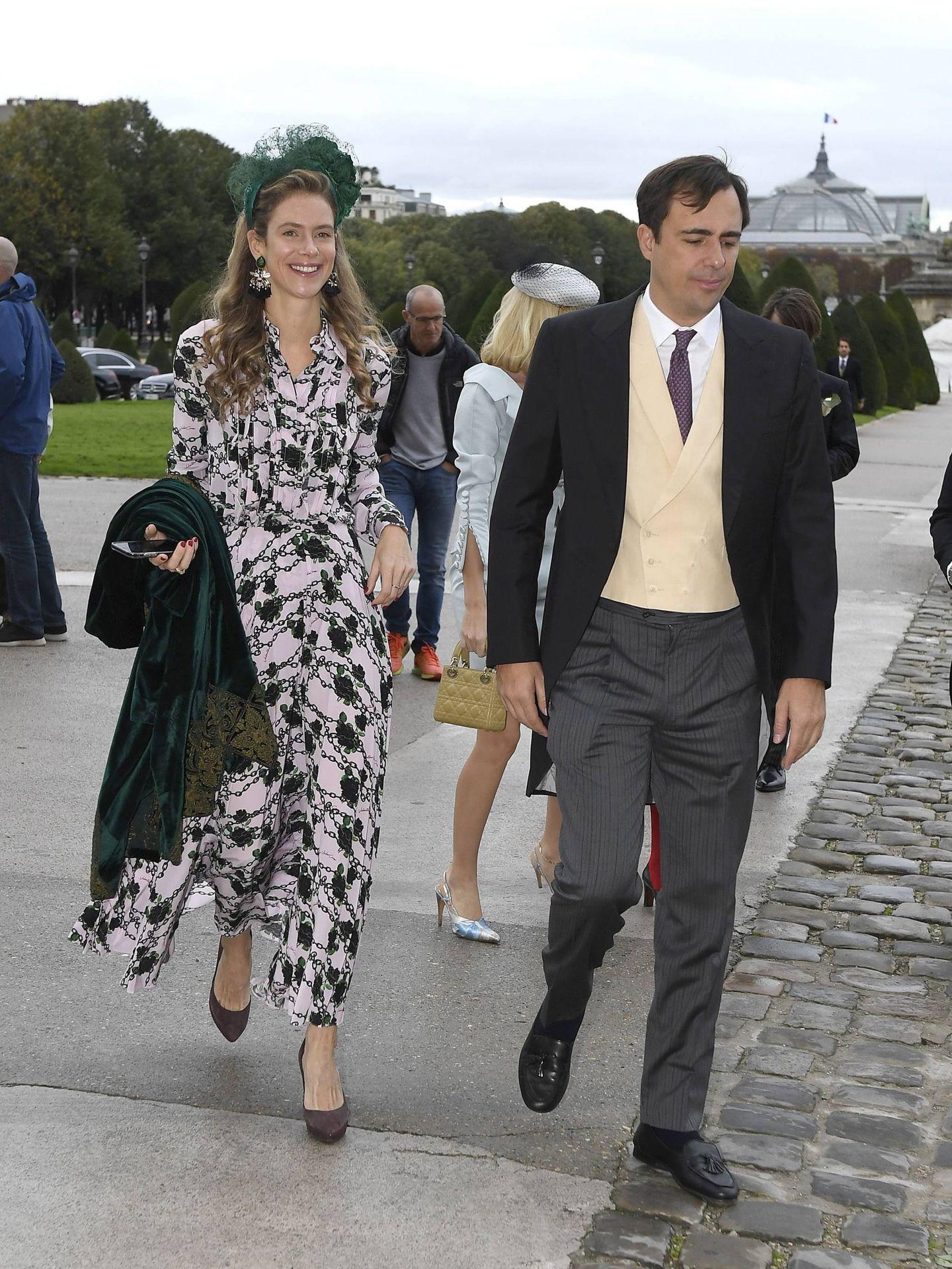 María Anunciata, con su prometido en una boda en París. (Cordon Press)