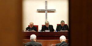 Foto: La Iglesia irrumpe otra vez en campaña 'orientando' el voto a la derecha