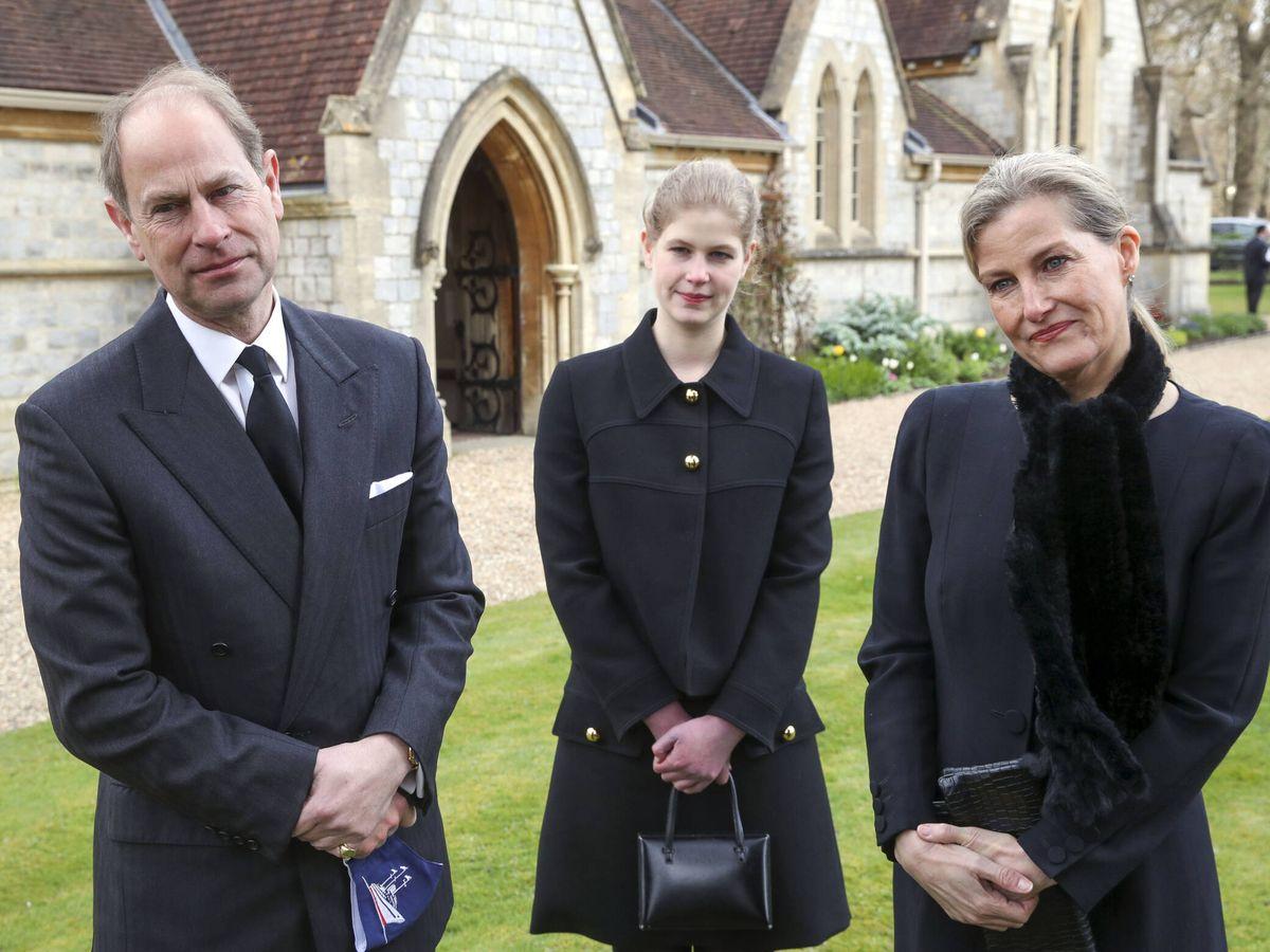 Foto: Lady Louise con sus padres, el príncipe Eduardo y Sophie de Wessex. (Getty)