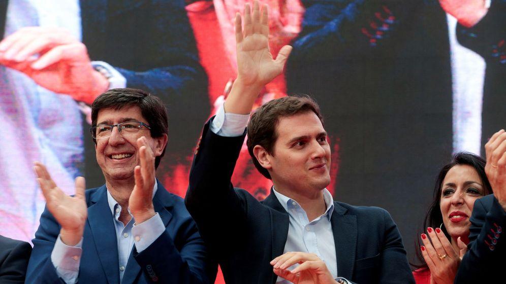 Foto: El lider del partido, Albert Rivera (c) y el candidato de Ciudadanos en Andalucía, Juan Marín. (EFE)