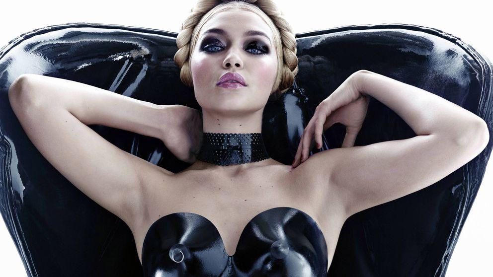 Condom Couture, la tendencia que aboga por vestirse de látex