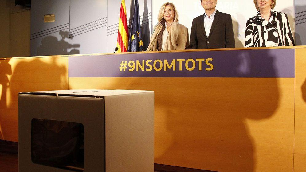 Foto: Rueda de prensa de Artur Mas, Joana Ortega e Irene Rigau. (EFE)