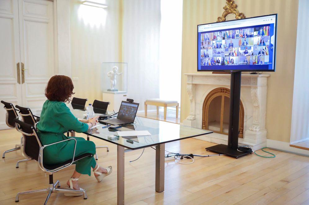 Foto: Ayuso en la última videoconferencia de presidentes. (EFE)