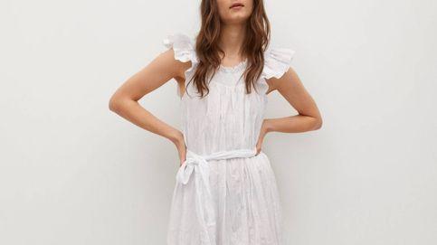 Amplio, blanco y sostenible, así es el nuevo vestido de Mango que tienes que comprar