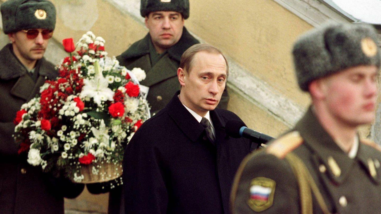 Putin habla durante los funerales de Anatoly Sobchak, en 2000. (Reuters)