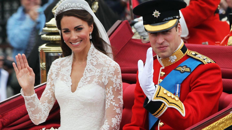 El príncipe Guillermo y Kate Middleton el día de su boda. (Getty)