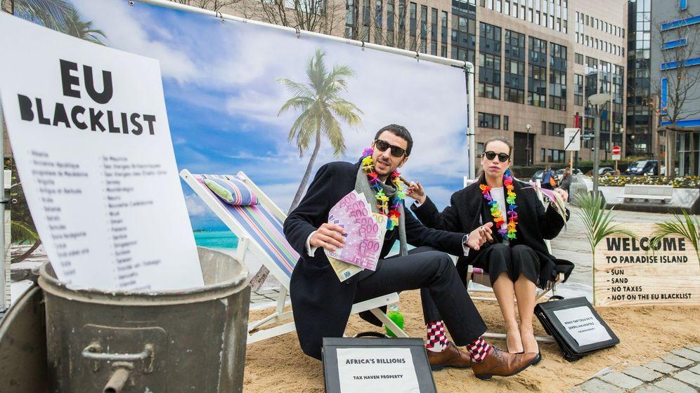 Foto: Oxfam ha organizado una protesta en Bruselas contra los paraísos fiscales.
