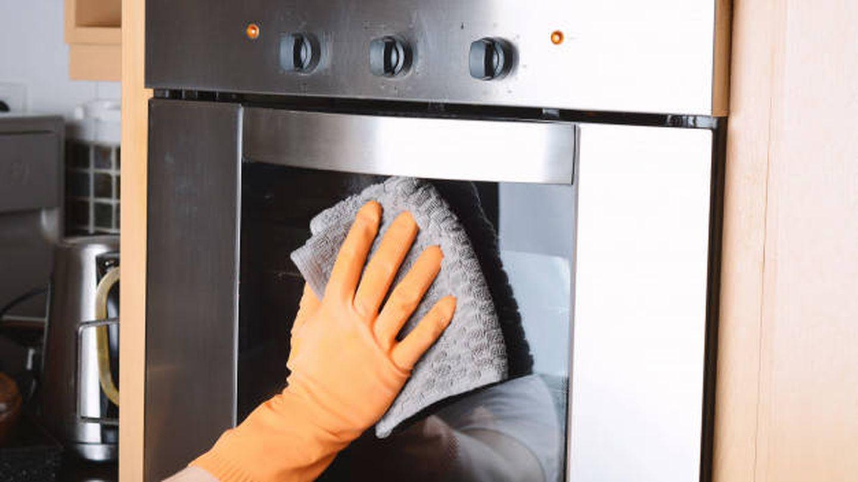 Cómo limpiar un horno tras su uso