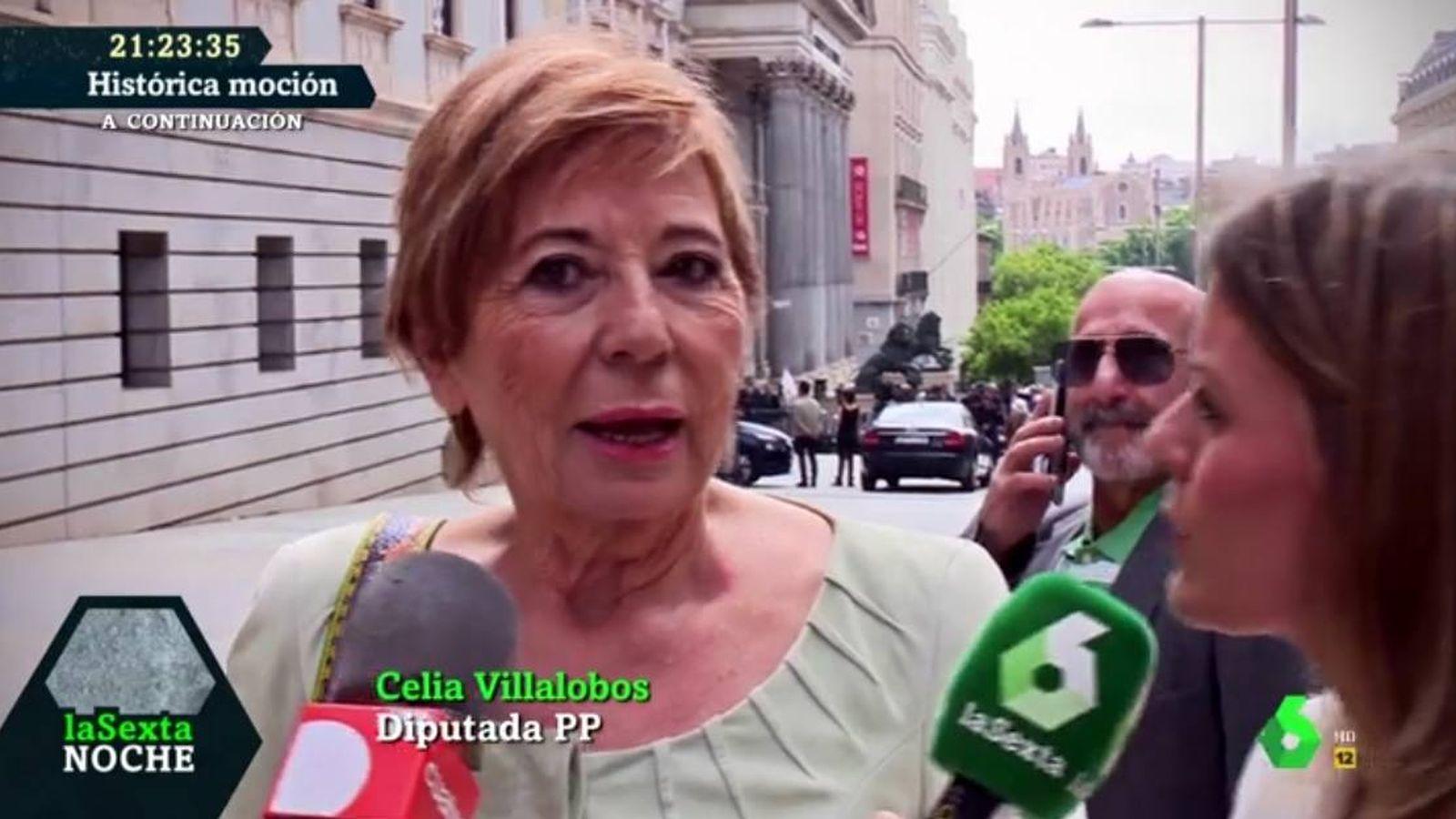 Foto: Celia Villalobos hablando para 'La Sexta noche'.