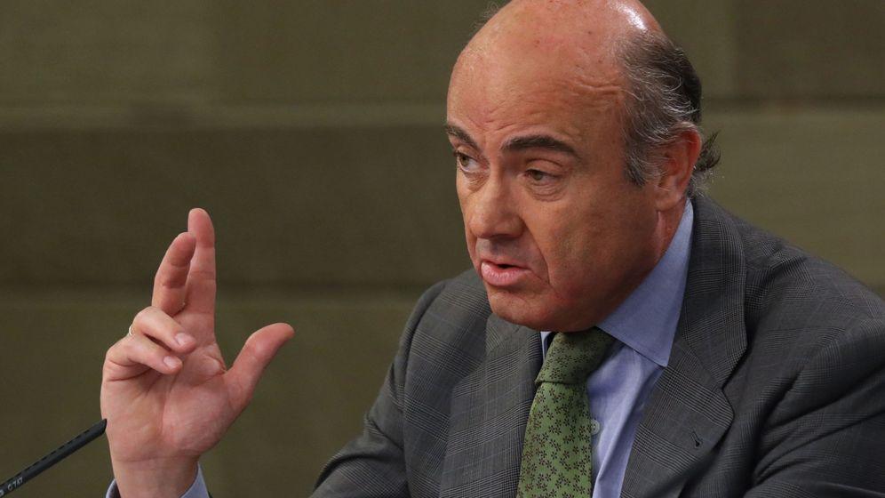 Foto: El ministro de Economía, Luis de Guindos, en un Consejo de Ministros. (EFE)
