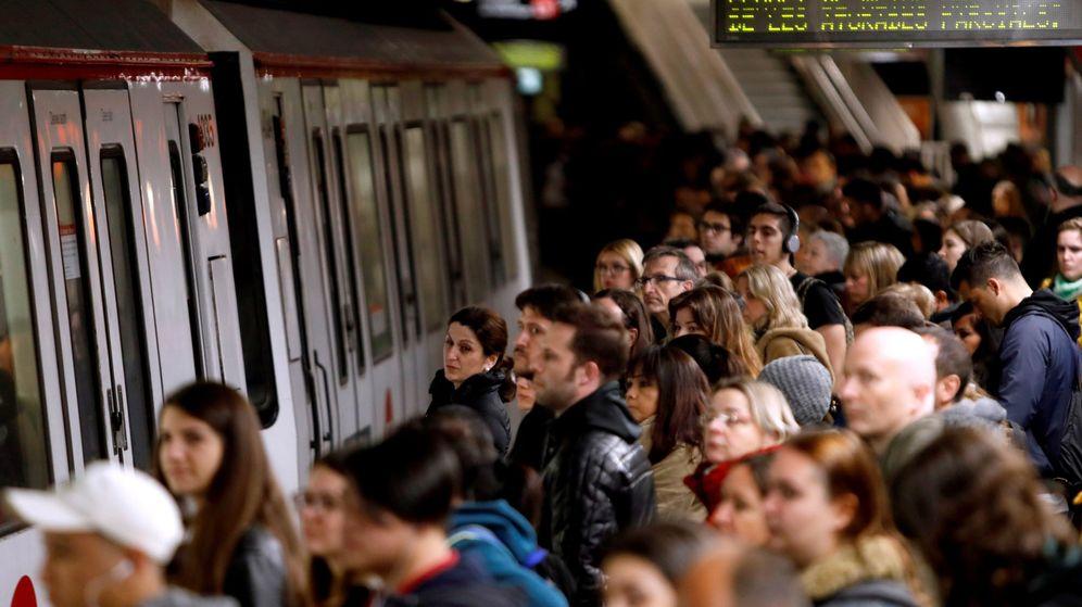 Foto: El metro barcelonés vive una nueva jornada de paros contra presencia amianto (Efe)