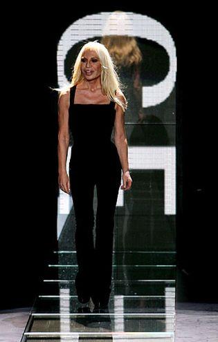 Foto: Cómo usar autobronceador sin acabar como Donatella