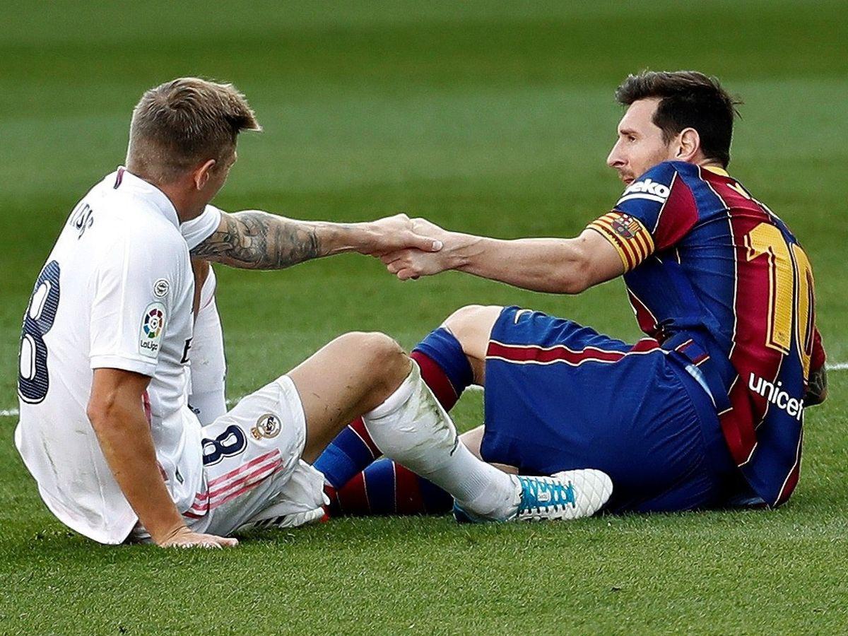 Foto: Kroos y Messi durante el Clásico disputado en el Camp Nou. (Efe)