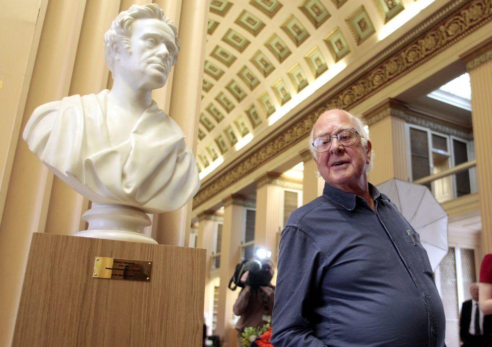Foto: Higgs se enteró del Nobel cuando le felicitó una antigua vecina