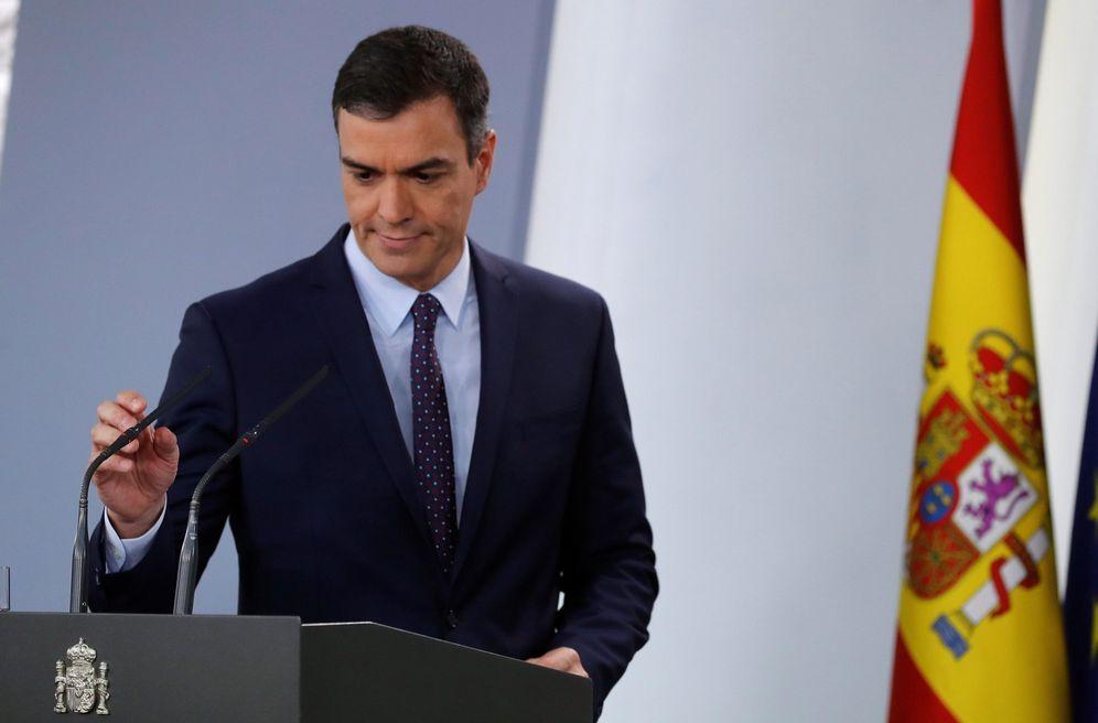 Foto: Pedro Sánchez, a su llegada a la comparecencia en la Moncloa tras la notificación de la sentencia del 'procés'. (EFE)