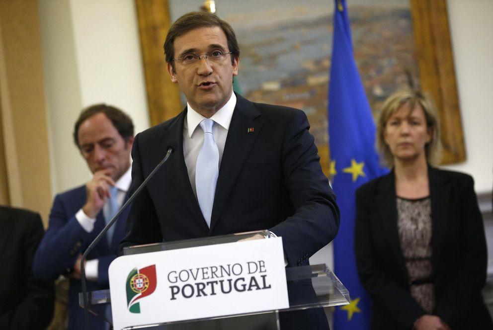 Passos Coelho hace una declaración junto a miembros de su Gobierno en el Palacio de São Bento (Reuters).