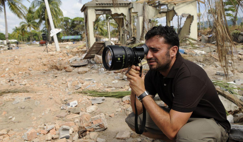 J.A Bayona en el rodaje de 'Lo imposible'