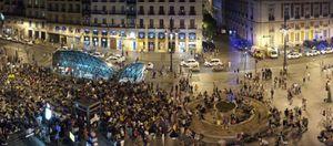 Un centenar de 'indignados' bloquean sus cuentas de Bankia como medida de protesta
