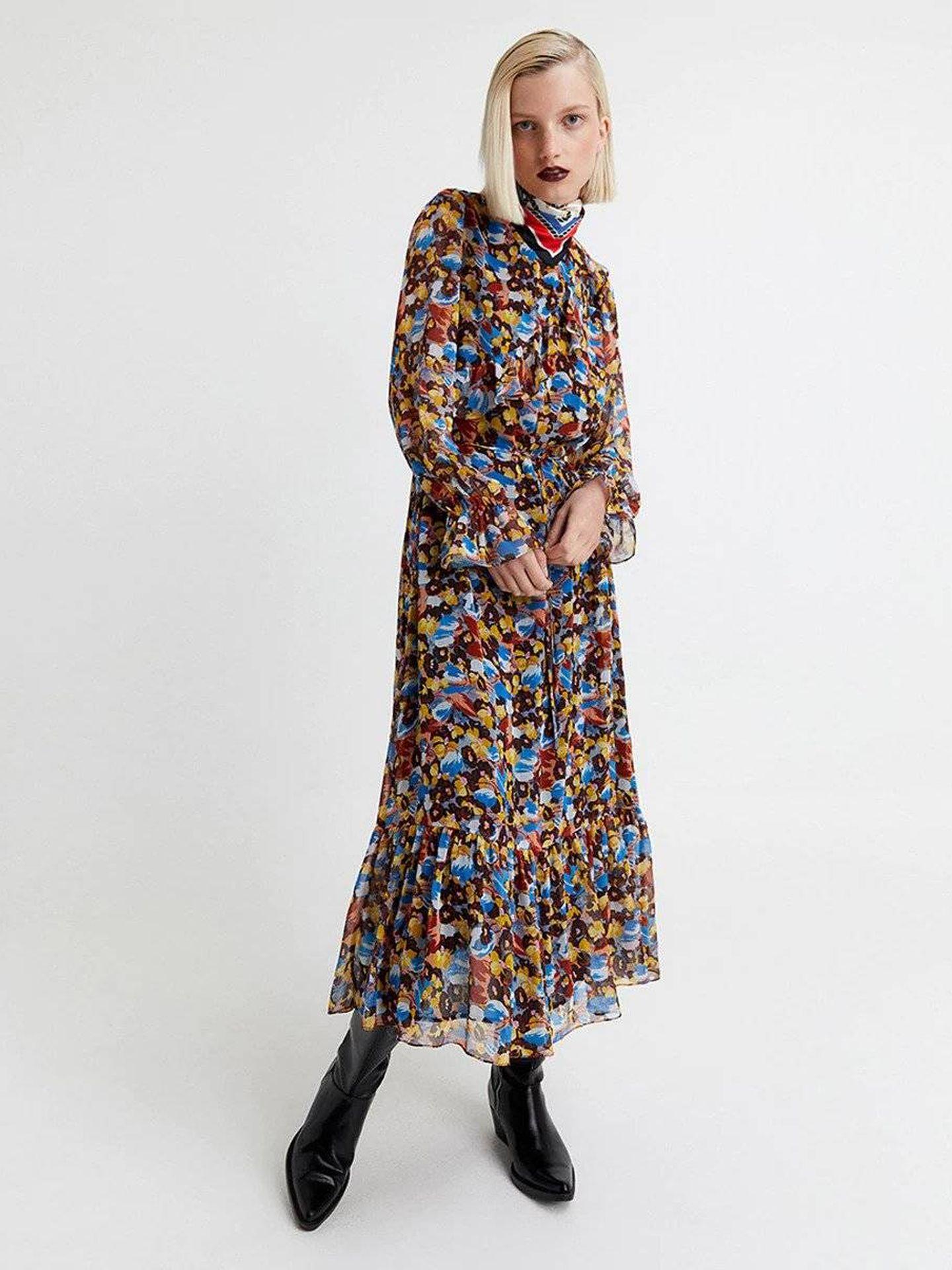 Vestido colorido de Sfera. (Cortesía)