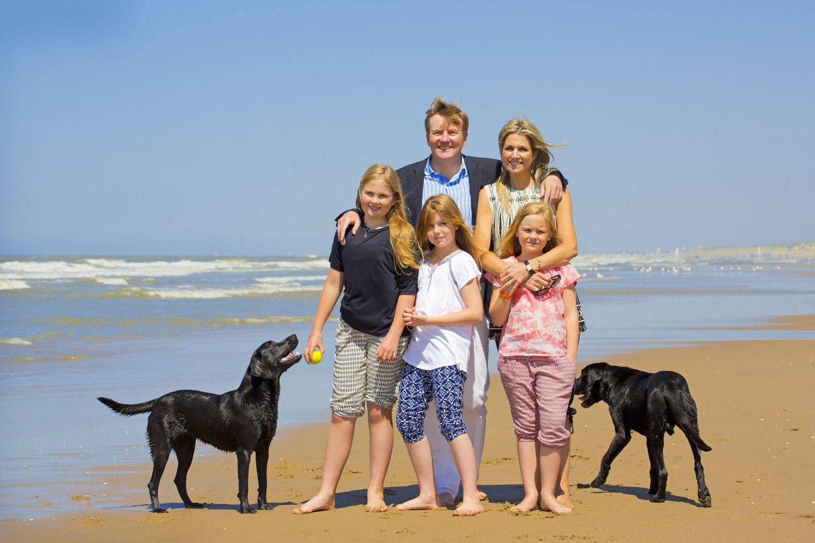 M xima de holanda y su familia celebran el inicio de sus - Cambio de casa para vacaciones ...
