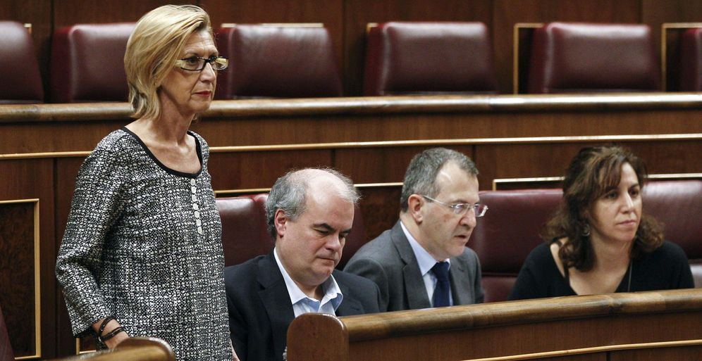 Foto: La líder de UPyD, Rosa Díez (i), junto a Carlos Martínez Gorriarán (3d), Alvaro Anchuelo (2d) e Irene Lozano (d). (EFE)