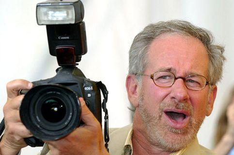 Henrik Wallgren y Per Umaerus dicen que el Spielberg utiliza en su próxima película de animación, 'Bee Movie', un antiguo proyecto suyo.