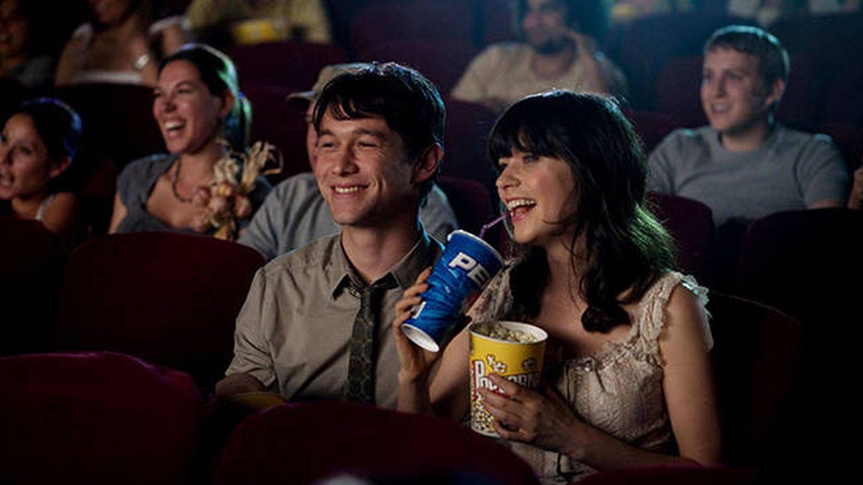 Cine con palomitas, plan inmejorable para una primera cita. (Fotograma de '500 días de verano')