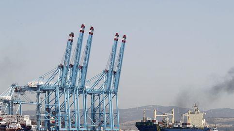 El puerto de Algeciras retoma su actividad tras el plante de los estibadores