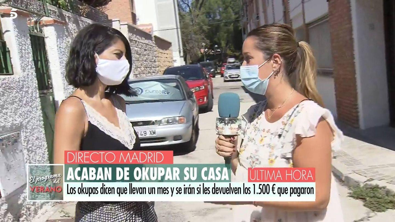 Susana Ramos, la víctima, con la reportera del programa. (Mediaset)