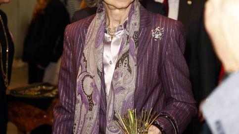 Doña Sofía, más abuela que reina, compra regalos para sus nietos