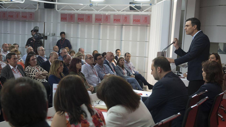 Sánchez reúne a un comité tranquilo sin Díaz y sin cartel listo para Madrid y las europeas