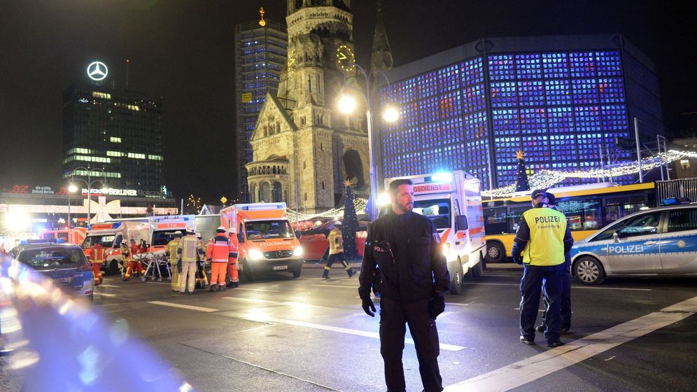 Foto: La policía detiene a un sospechoso tras el atropello mortal en Berlín. EFE