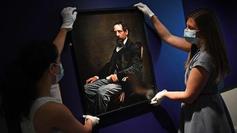 Reabre el Museo de Dickens en Londres y XXI Festival de Teatro de Olite: el día en fotos