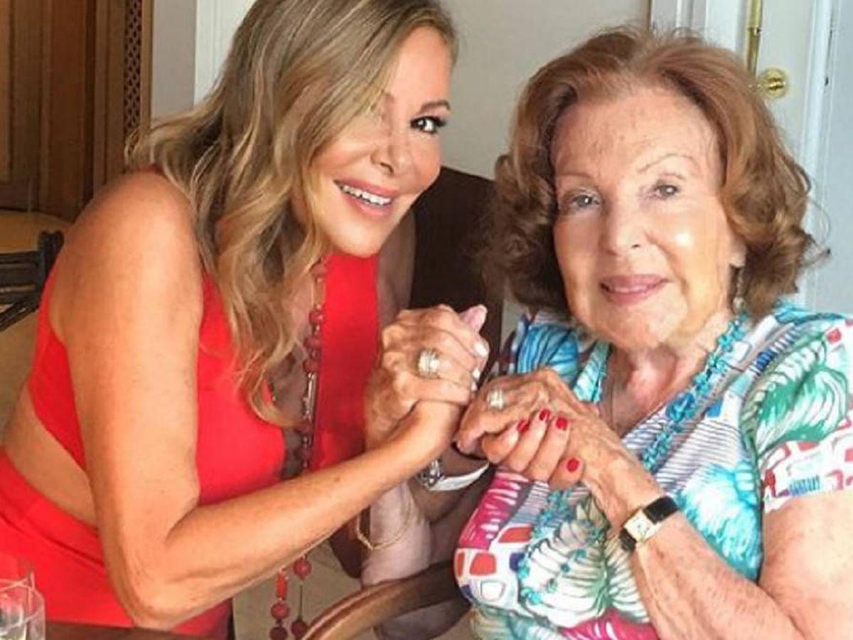 Foto: Ana Obregón con su madre. (IG)