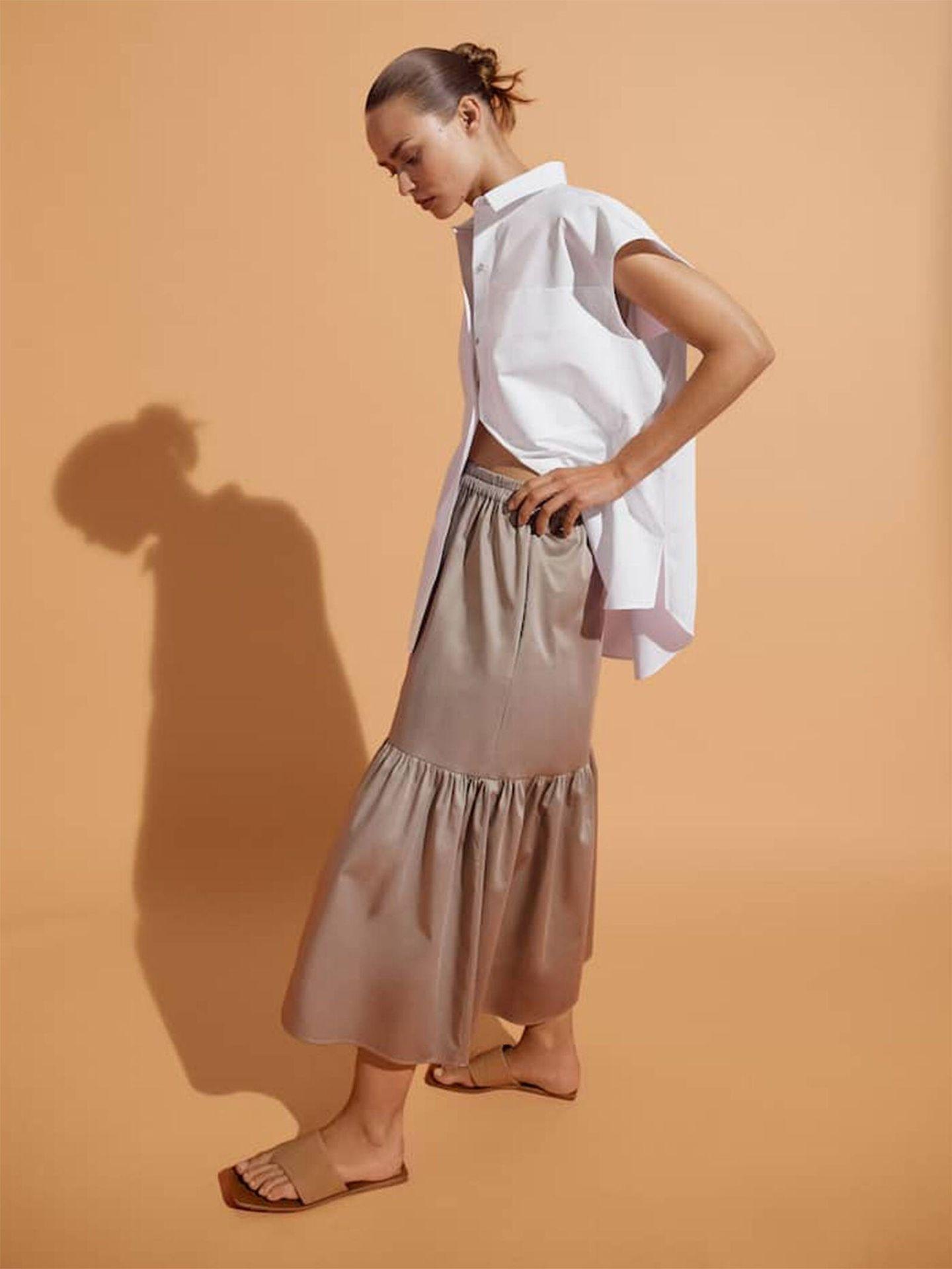 Falda de Massimo Dutti, exclusiva online. (Cortesía)