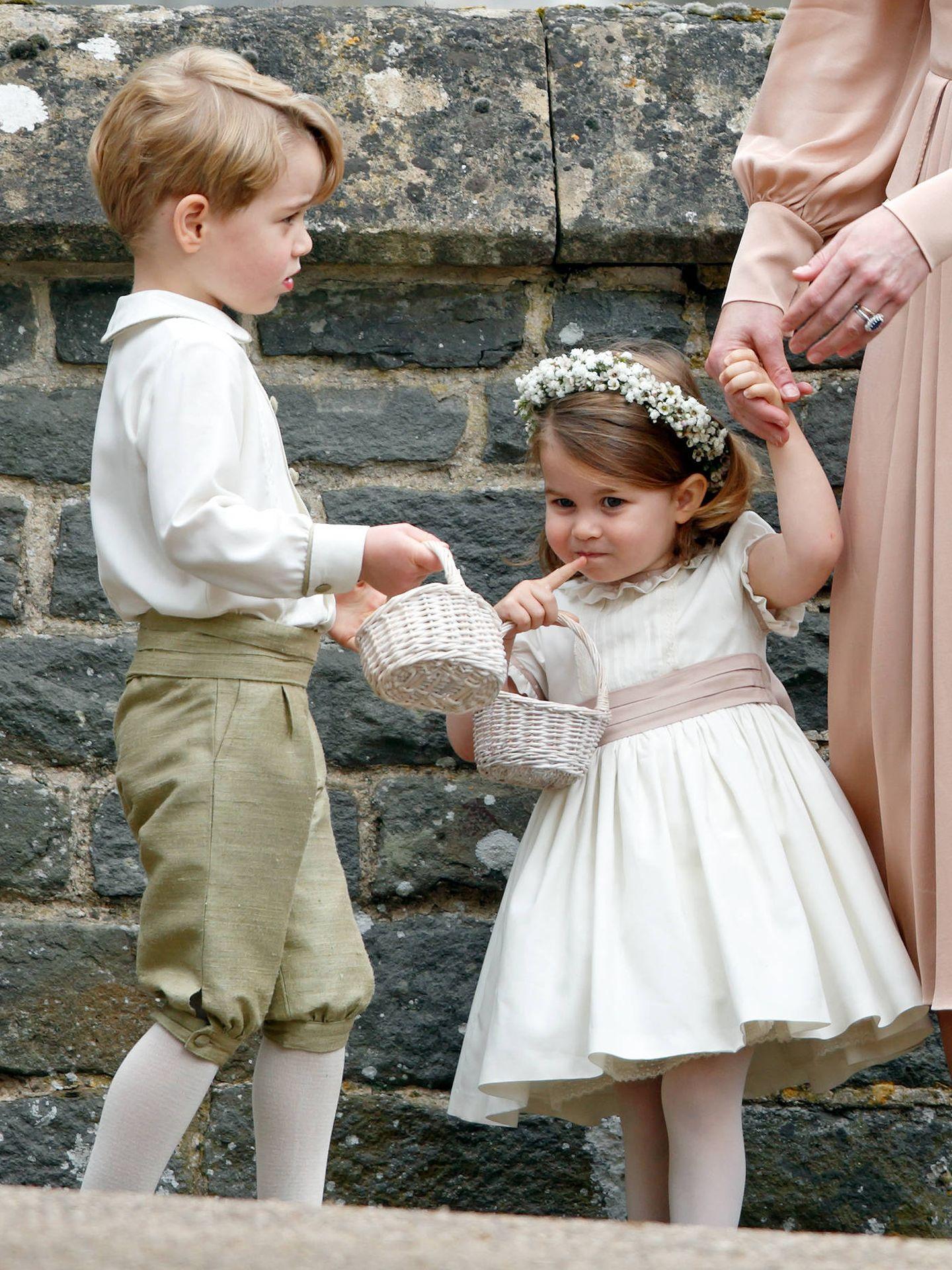 George y Charlotte, de pajes.