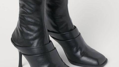 Estamos en shock con el último invento de H&M: unas botas que se convierten en mules