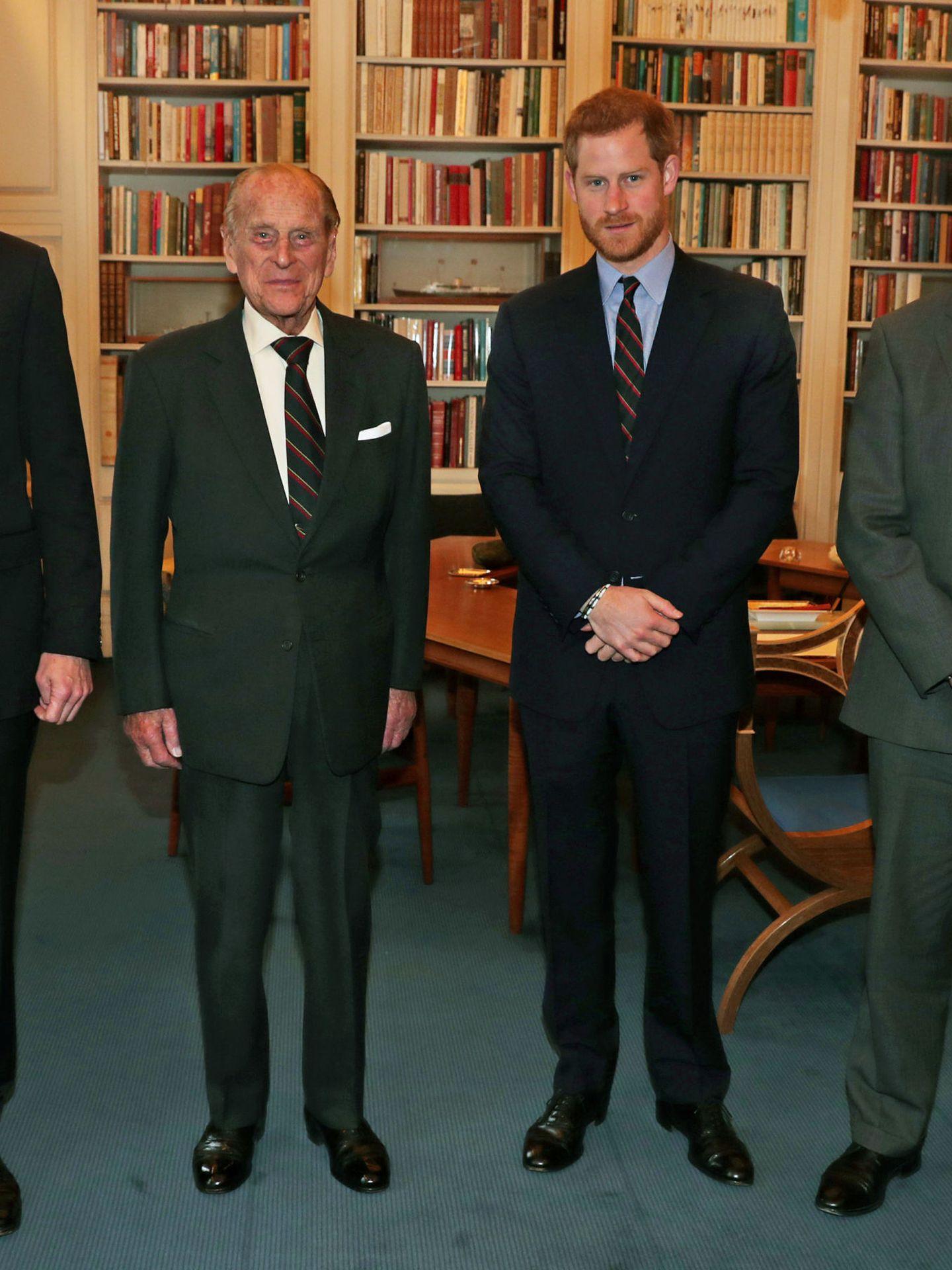 El príncipe Harry y el duque de Edimburgo, en una imagen de archivo. (Reuters)