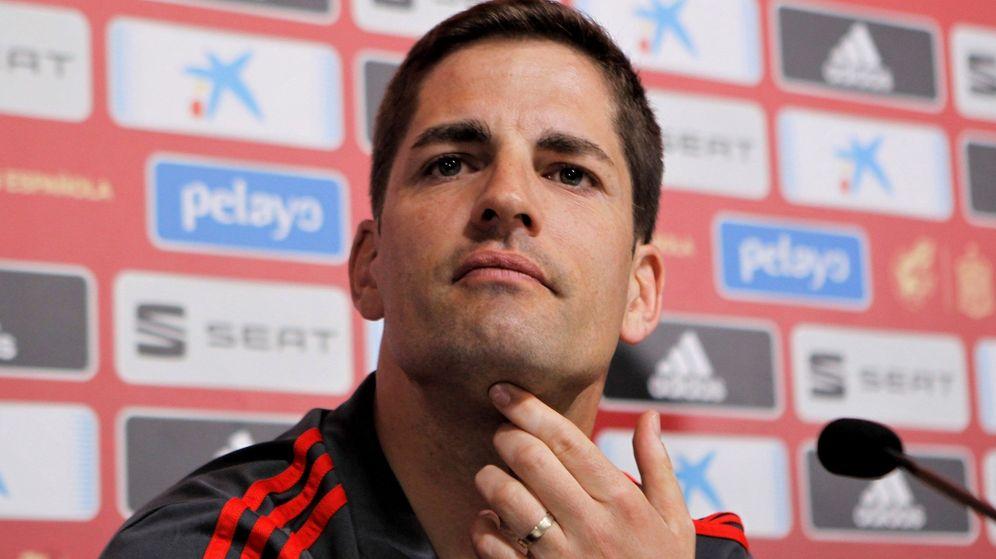 Foto: El seleccionador español de fútbol, Robert Moreno, durante una conferencia de prensa. (Efe)