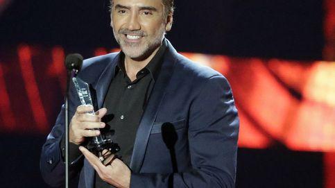 Alejandro Fernández vomita en pleno concierto por culpa del tequila