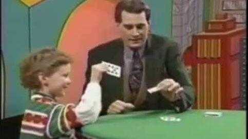 Este niño deja en ridículo a un mago en pleno directo