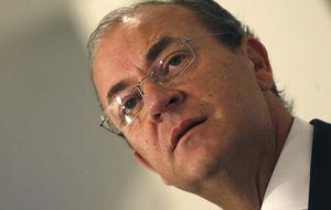 El Gobierno en bloque da la espalda a Monago en su reaparición en Madrid
