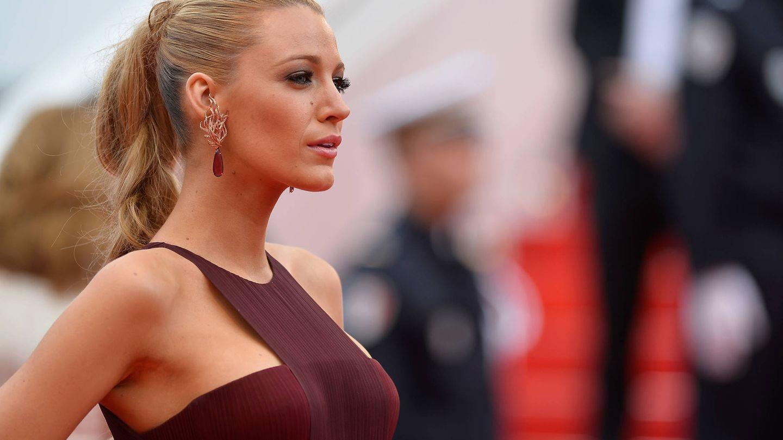Blake Lively, en Cannes con una trenza alta y con el cabello ligeramente encrespado de forma intencionada. (Getty)