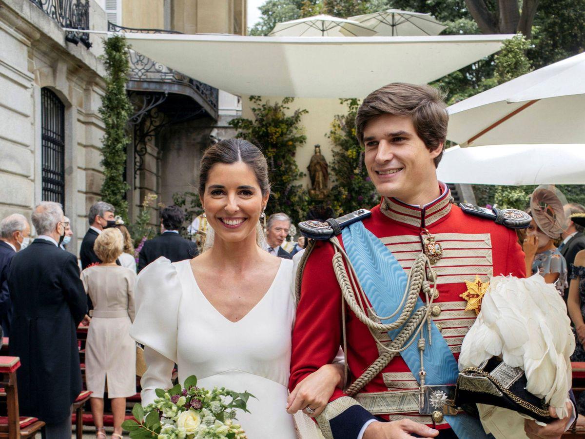 Foto: Carlos Fitz-James y Belen Corsini, durante la boda. (EFE)