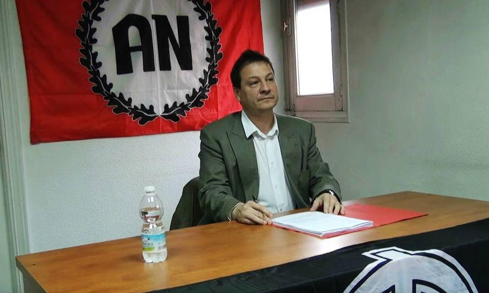 Foto: Fernando Paz imparte una conferencia en la sede de Alianza Nacional