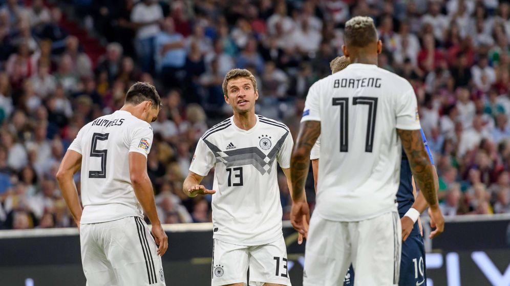Foto:  Mats Hummels (i), Thomas Müller (c) y Jerome Boateng en el Alemania-Francia jugado el 6 de septiembre de 2018 en Múnich. (Imago)