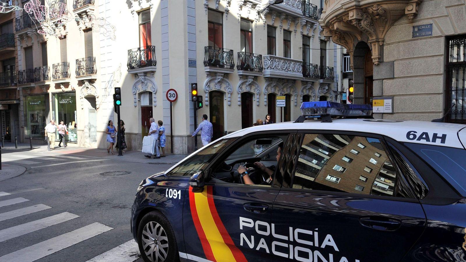Foto: Vehículo de la Policía Nacional. (EFE)