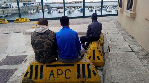 Sacan del puerto de Ceuta a 50 inmigrantes que buscaban entrar de polizón a la península
